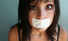 A meztelenség és a káromkodás is tiltva van a Skype-on